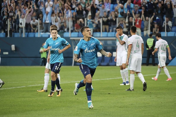 Leandro Paredes scores for Zenit