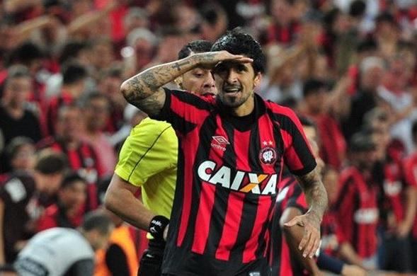 """Luis """"Lucho"""" Gonzalez Atletico Paranaense"""