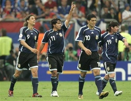 Argentina's strikers Hernan Crespo Tevez Messi Riquelme