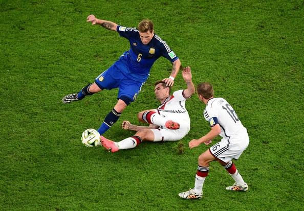 Lucas Biglia Miroslav Klose